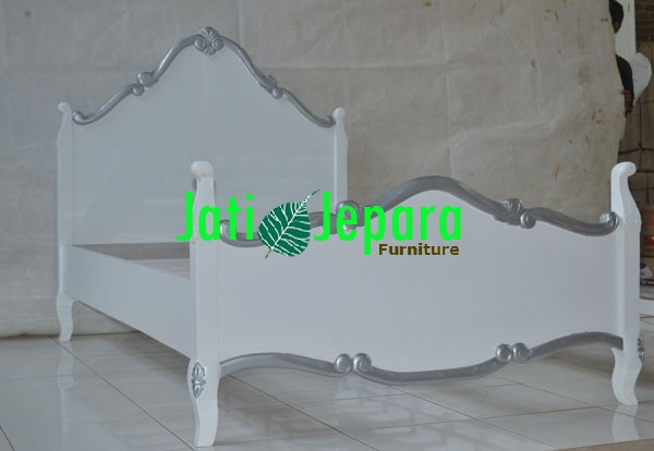 Andhika Bed French Style