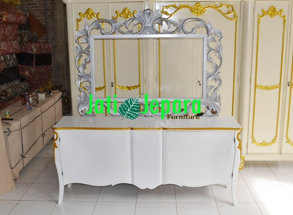 Dressing-Table-With-Mirror-Silver