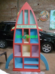 Bookcase Antique Perahu